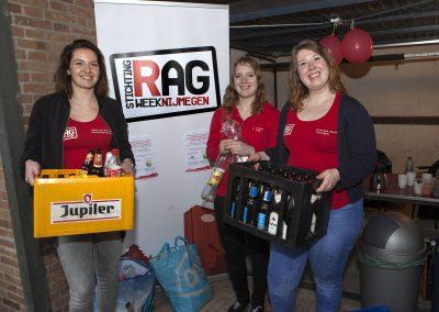 Collecting empty bottles at Hoogeveldt